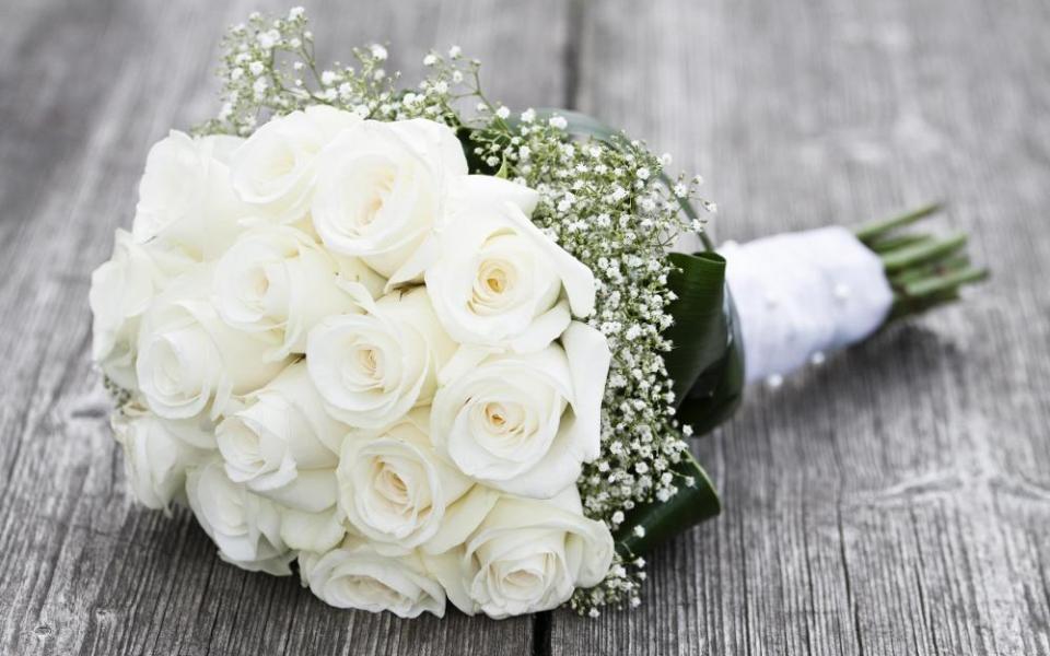 Ý nghĩa của hoa hồng trắng – Tình yêu thuần khiết và tình bạn chân thành